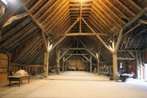 1024px-GrangeBarn-interior